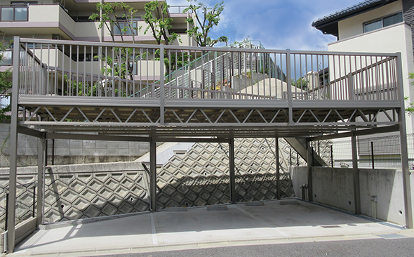 柱建て式 独立タイプ トラス納まり特殊品